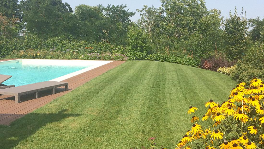 Giardini con piscina foto piscine con prato casa con piscina privata da a settimana with - Giardini con piscina ...